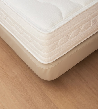 Dreammaker Bed