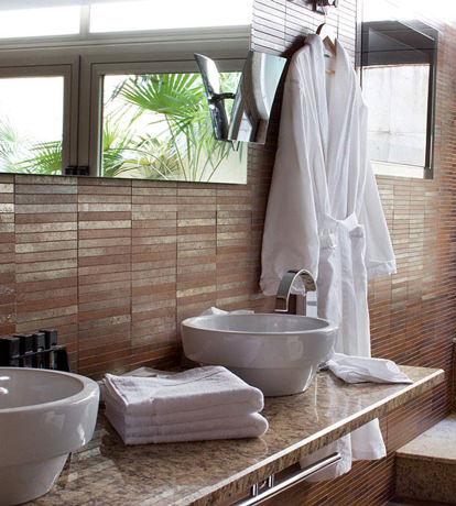 Baño y Casa